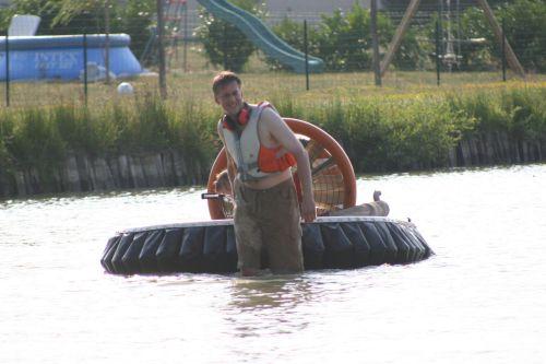Le plan d'eau de Lassay sur Croisne est très peu profond !